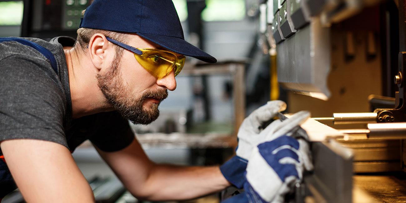 Regionales Stellenangebot für einen Job als Maschinenbediener in Lüdenscheid